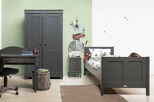 Country-vintage-grey-teen-room.jpg